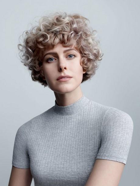 frisuren locken kurze haare