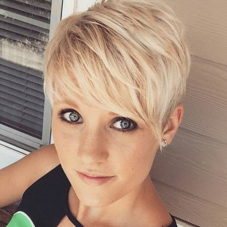 Strähnen dunkle mit kurze haare Kurze Blonde