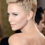 Charlize theron frisuren