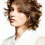 Kurzhaarfrisuren mit locken